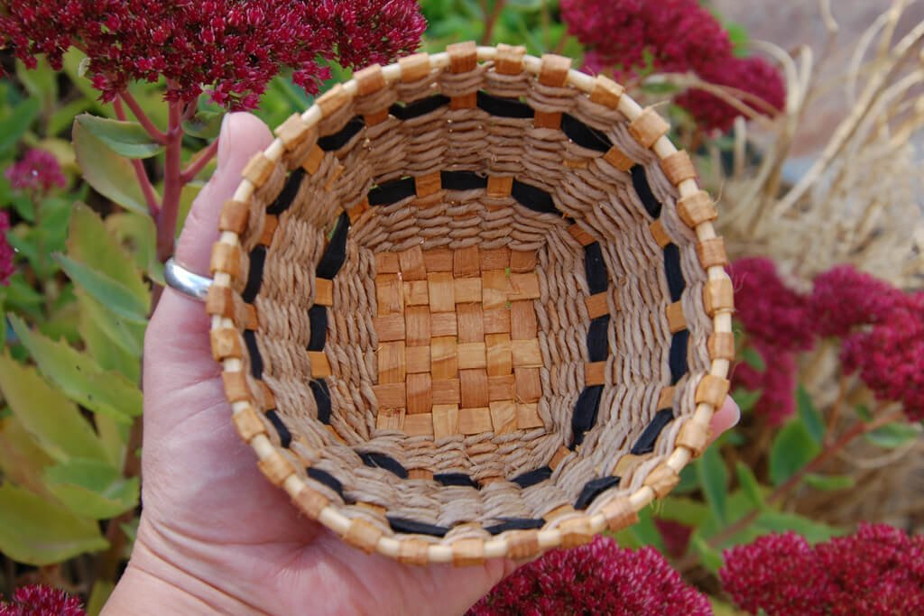 Treasure basket in red cedar, lime , dyed sweetchestnut bark and cedar root